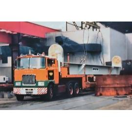32-0033 IMC Mack F700 6x4 Van der Vlist